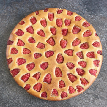 Flourless Strawberry Almond Cake from above