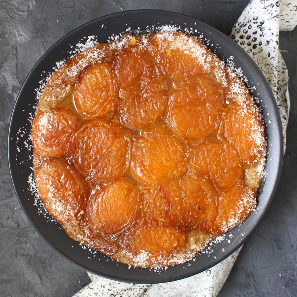 Close up on tarte tatin from above
