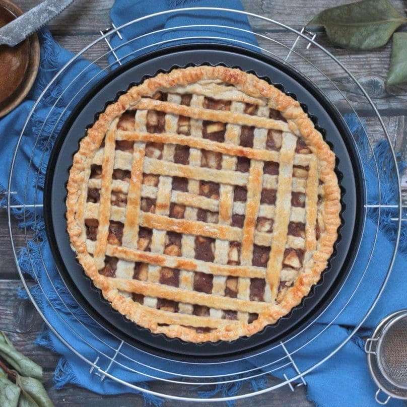 Pear Pie Flat lay.