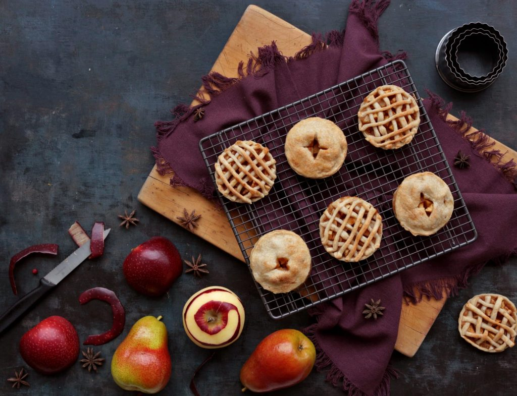 Mini Apple Pies with fresh fruits