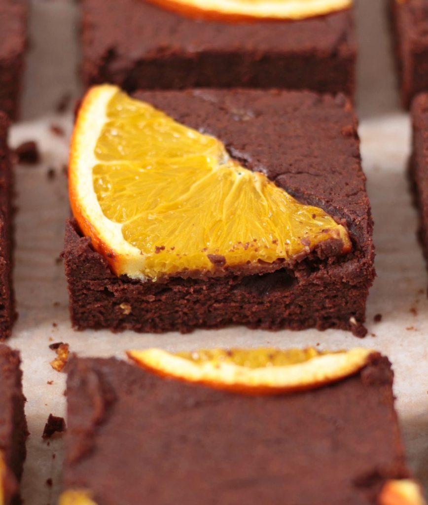 Close-up on an orange brownie slice