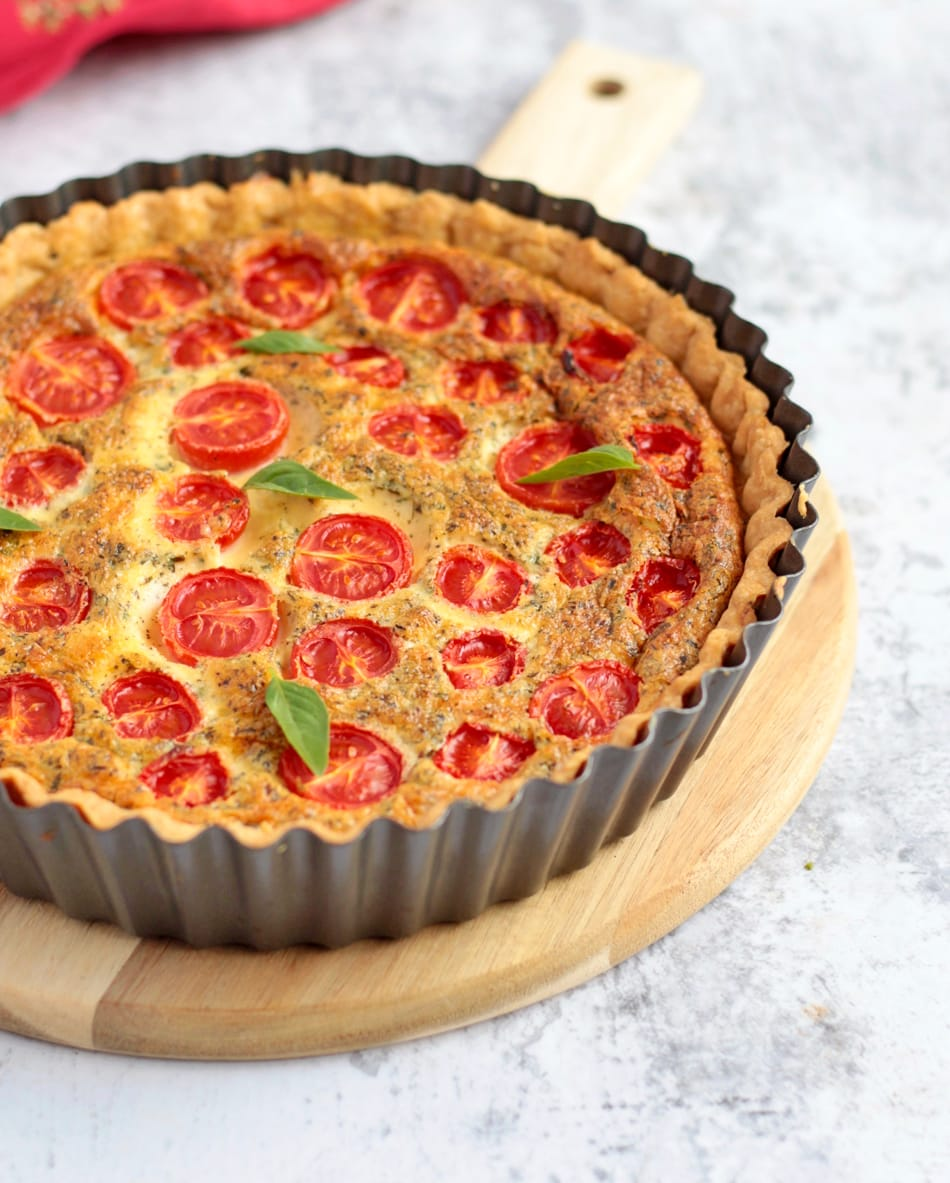 Cheese and Tomato Quiche in the Quiche Pan