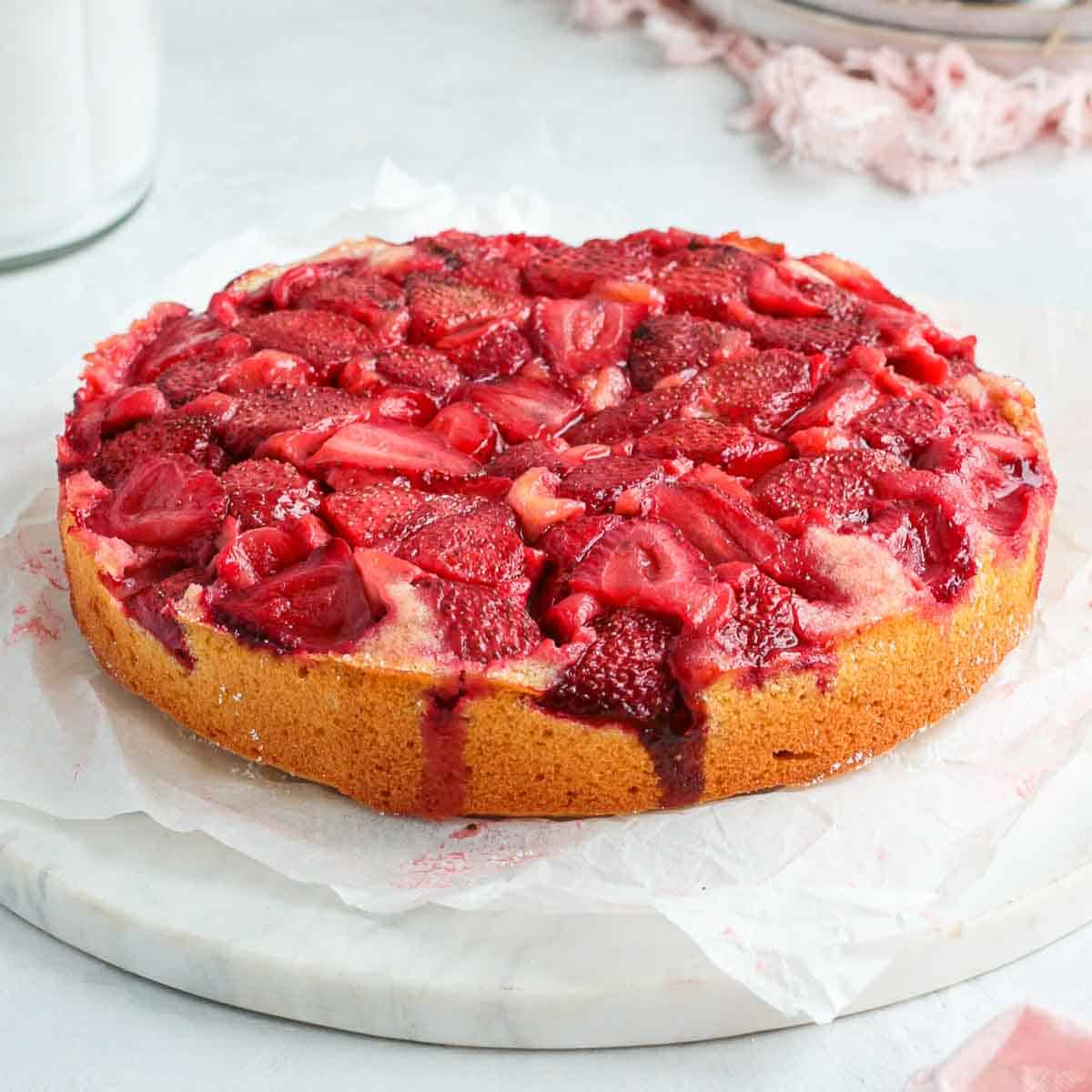 Cake on a round marble board.